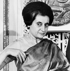Imagem de Indira Priyadarshini Gandhi, em 1966. Autor: U.S. News & World Report photographer Warren K. Leffler [Public domain], via Wikimedia Commons