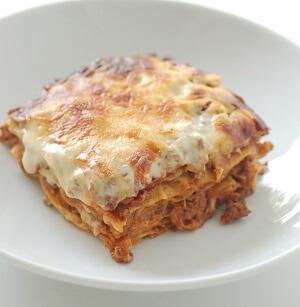 Um prato de lasanha.Autor: jules / stonesoup